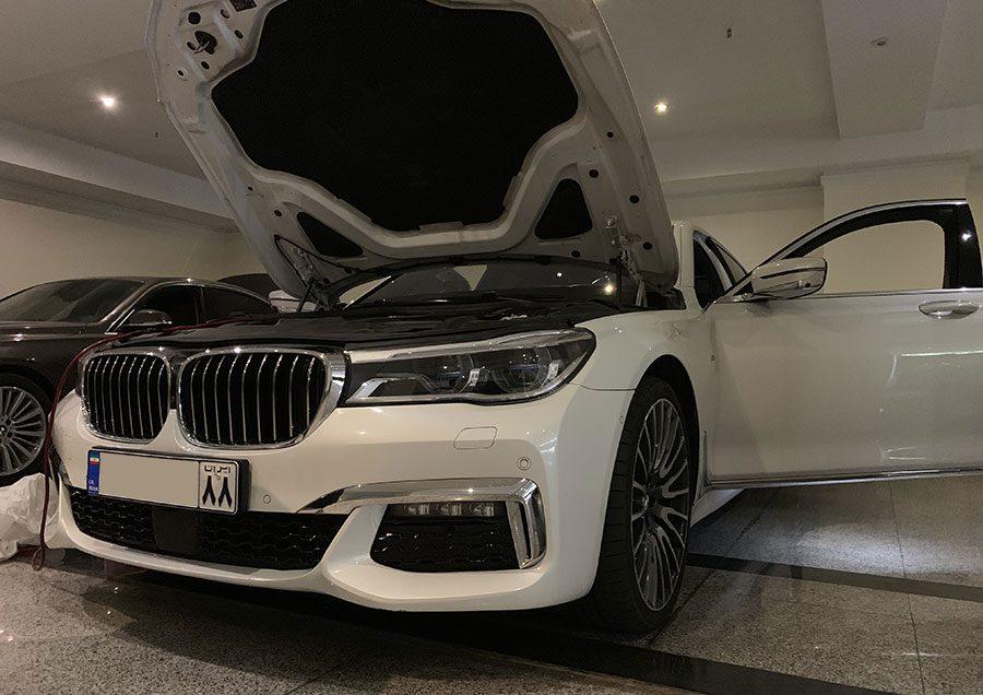 صافکاری 730Li BMW در تعمیرگاه اتوداکار