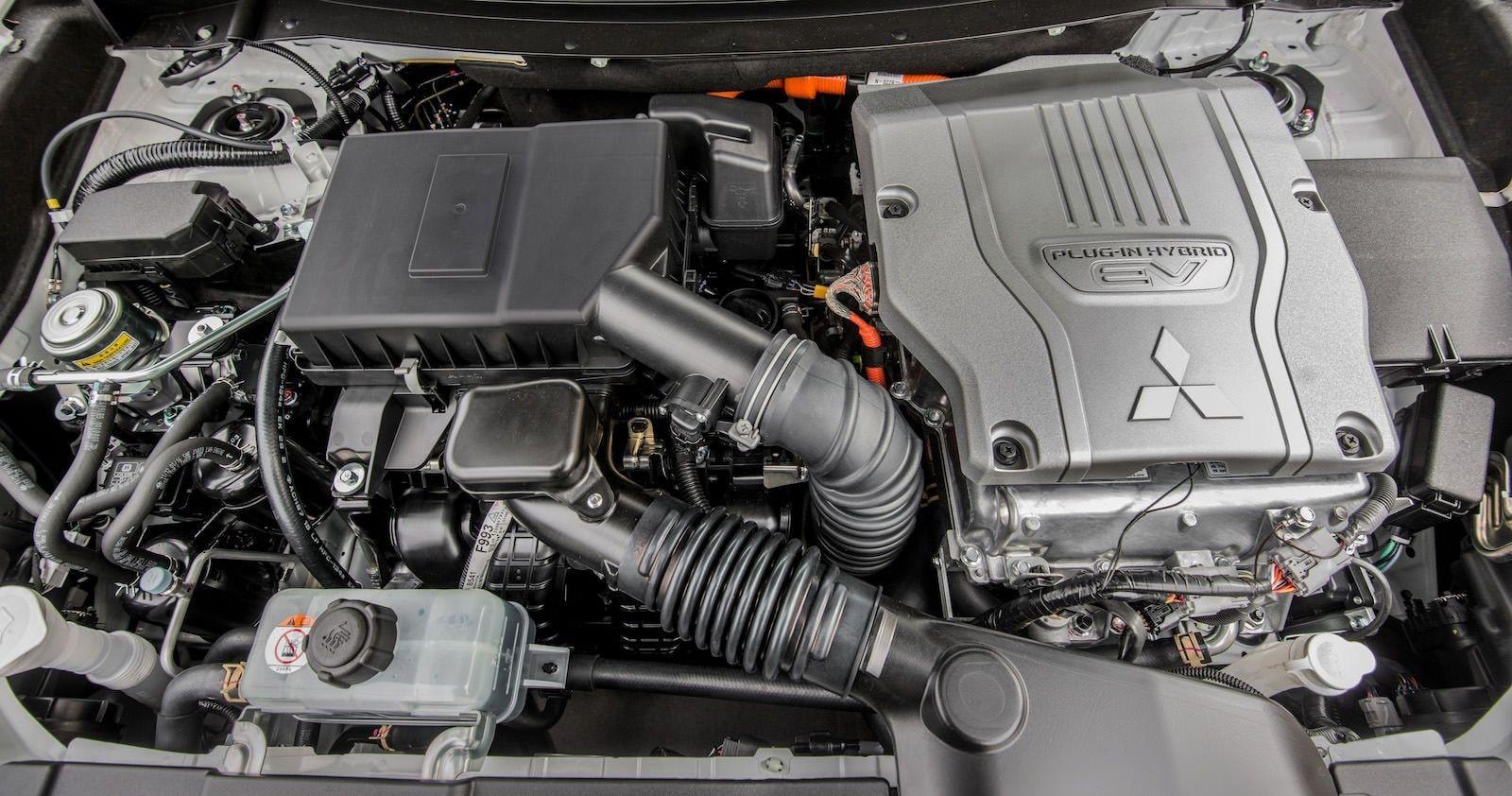 تعمیر موتور میتسوبیشی اوتلندر